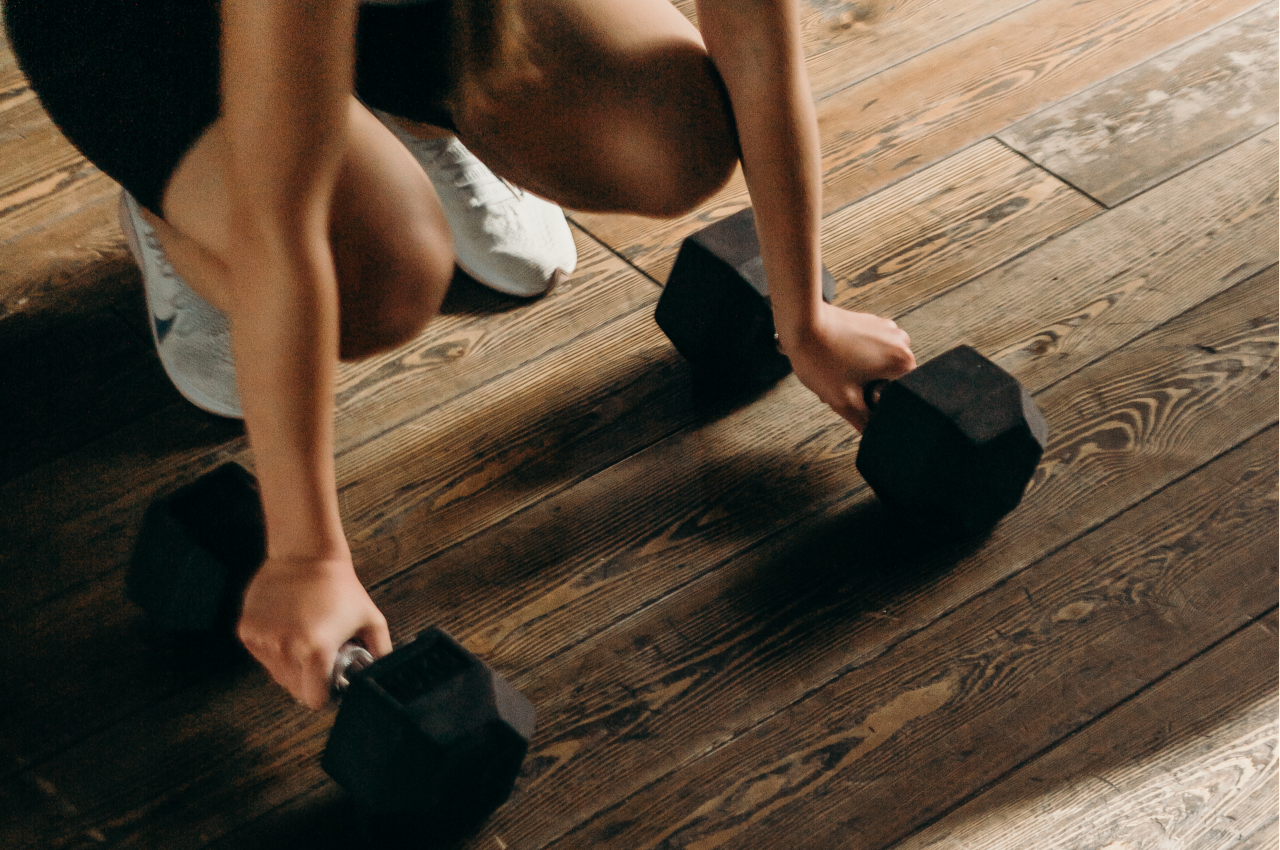 Workout mit der Kurzhantel